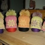 Gorros de punto de lana merina (dobladillo en algodon) colores naturales teñidos con plantas